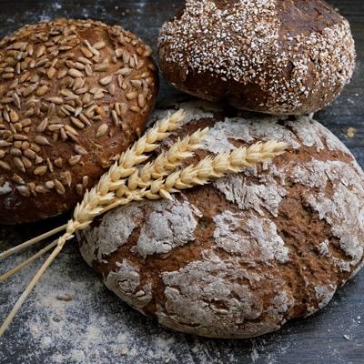cuanto pan se puede comer al día