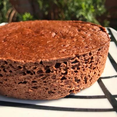 Bizcochito de chocolate y almendras al microondas