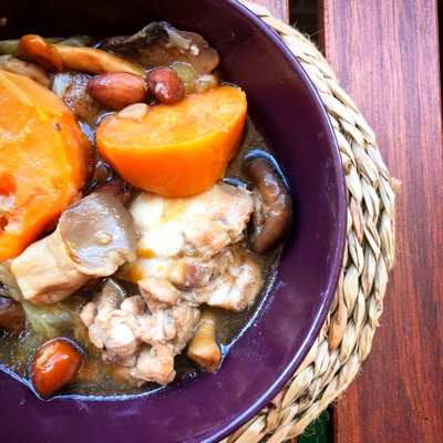 Guiso otoñal de pollo con boniato, calabaza y setas